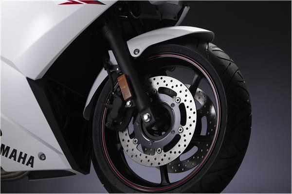 2012 Yamaha FZ6R - Detail