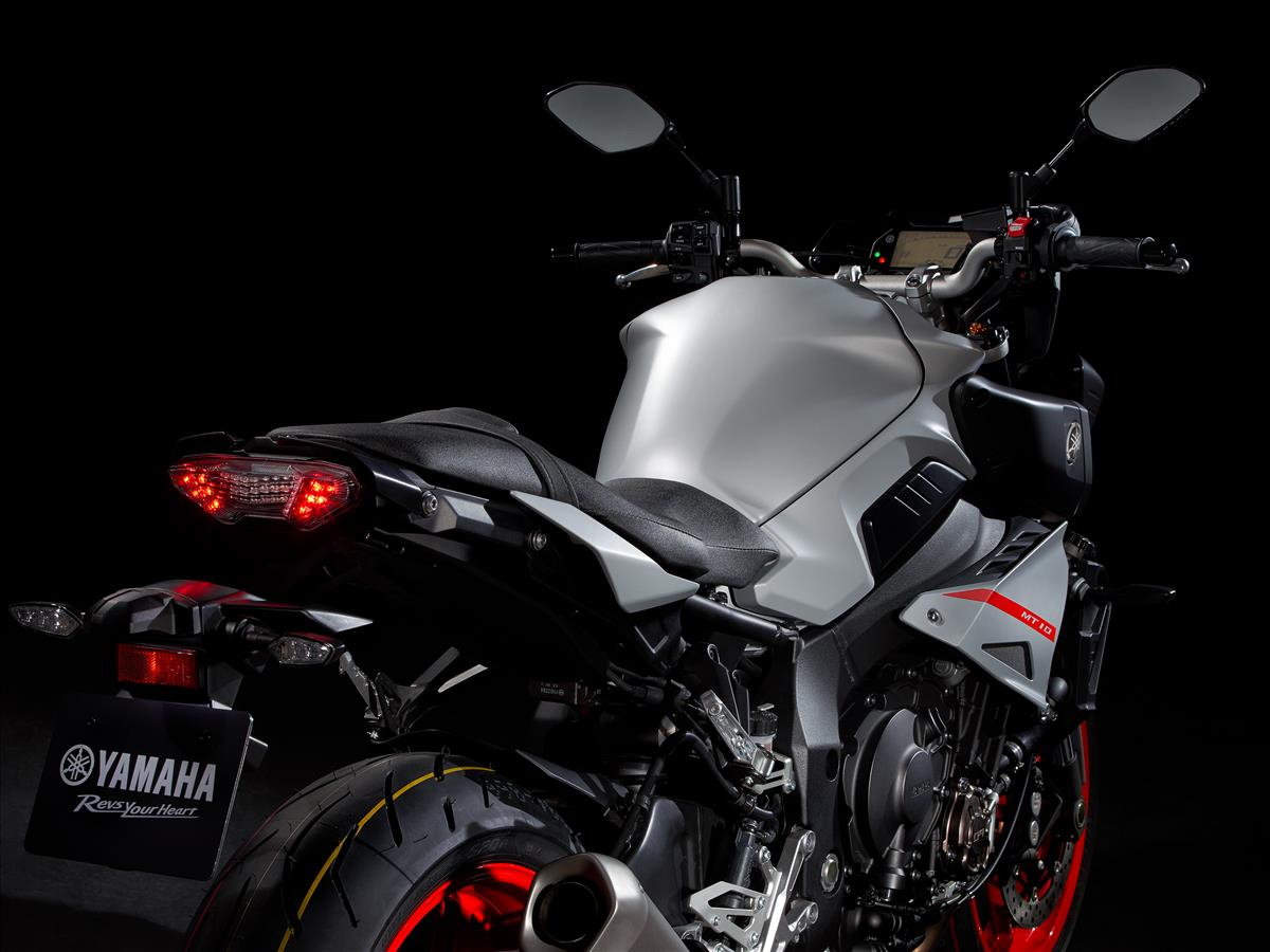 2019 Yamaha MT-10 - Detail Silver (Hyper Naked)