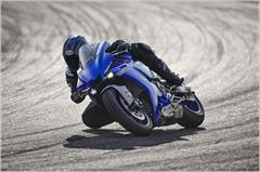 Content Library Image (21_YZFR1_TeamYamahaBlue_A05.JPG)