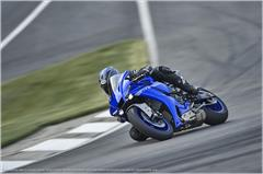 Content Library Image (21_YZFR1_TeamYamahaBlue_A10.JPG)