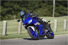 Content Library Image (21_YZFR3ABS_TeamYamahaBlue_X01.JPG)