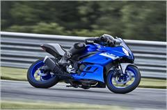 Content Library Image (21_YZFR3ABS_TeamYamahaBlue_X12.JPG)