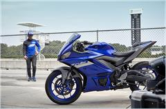 Content Library Image (21_YZFR3ABS_TeamYamahaBlue_X20.JPG)