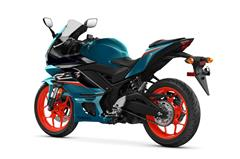 Content Library Image (21_YZFR3_ElectricTeal-S06.jpg)